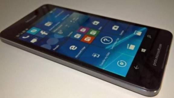 Lumia 650 esanslı olarak gelmeyi bekliyor!