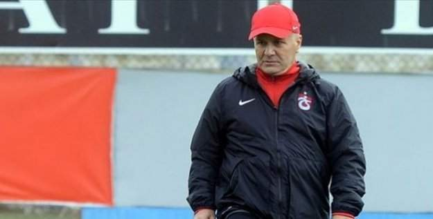 Trabzonspor'da Sadi Tekelioğlu görevi bıraktı