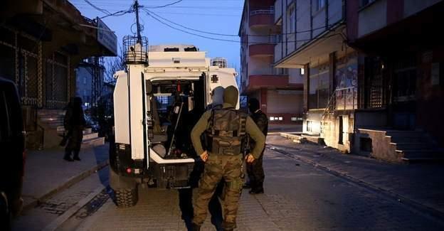 İstanbul'da eş zamanlı terör operasyonu