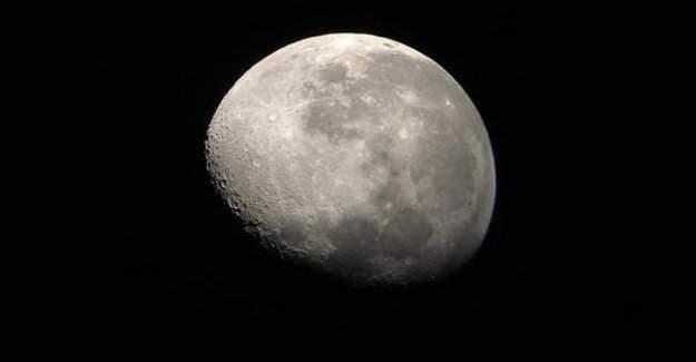 Ay Tam Tersine Dönmeye Başlamış