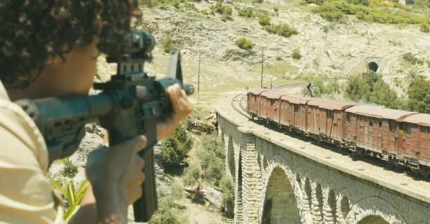 """""""Skyfall"""" filminin çekildiği Varda Köprüsüne özel posta pulu"""