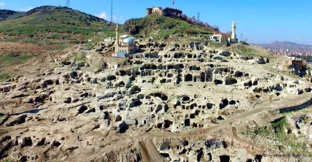 Dünyanın en büyük yeraltı şehri Nevşehir'de!