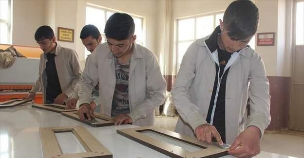 Bingöl Mesleki ve Teknik Anadolu Lisesi, devlete 1 milyon lira vergi ödedi