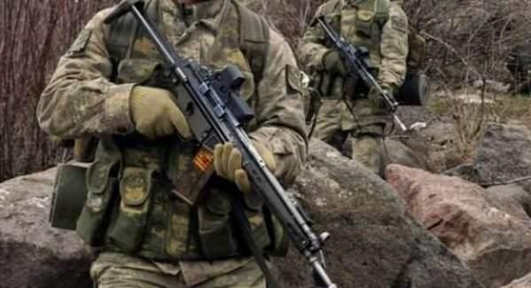 170 ödüle sahip komando görevden uzaklaştırıldı