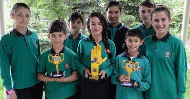 Geri dönüşüm projesi köy okuluna uluslararası ödül kazandırdı
