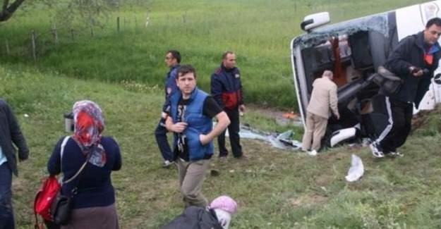 Yozgat'ta yolcu otobüsü devrildi! 3 ölü 15 yaralı