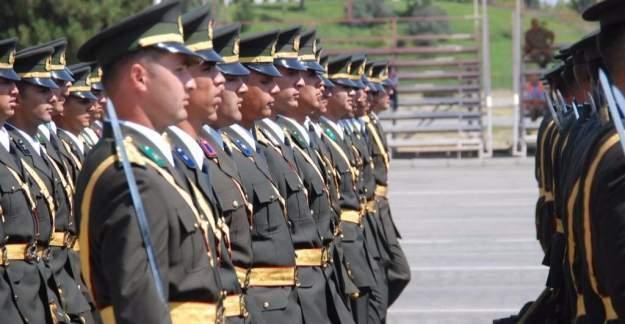 Askeri okulların müfredatı değişiyor!