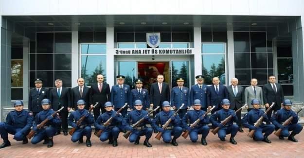 Konya'da 3. Ana Jet Üs Komutanlığı ile birlikte 40 adrese operasyon