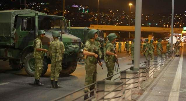 Darbeci subaylar PKK'ya sığındı!