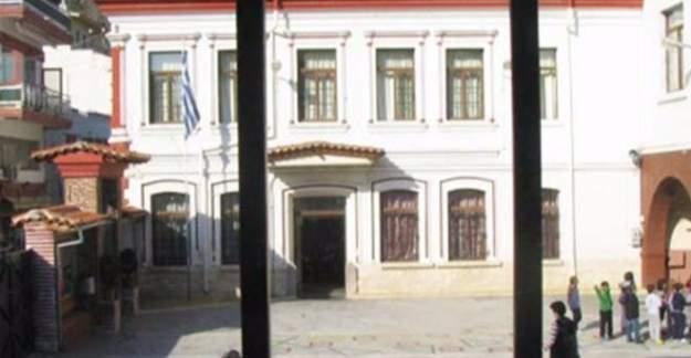 Yunanistan Türk okullarını kapattı!