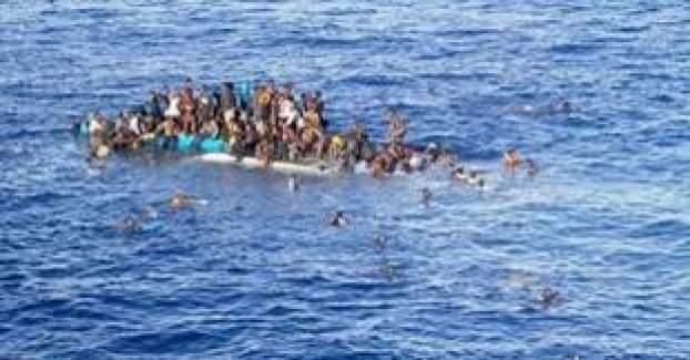 Kuşadası'nda göçmen botu battı