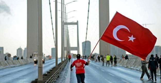 Vodafone 38. İstanbul Maratonu, 15 Temmuz Şehitleri için koşuluyor