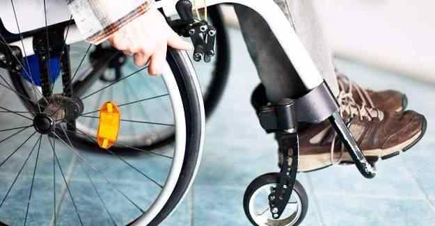 Başbakan Yıldırım, engelli öğretmenlere müjdeli haber verdi