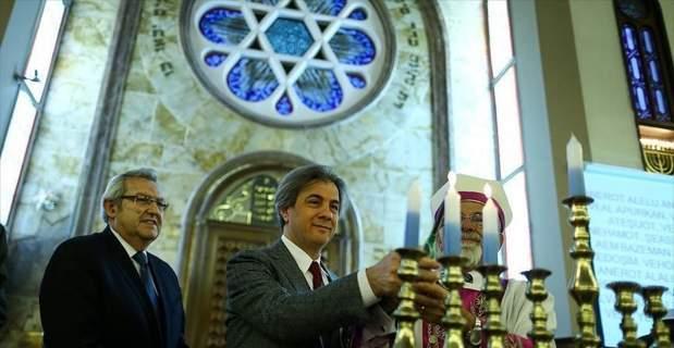Museviler İstanbul'da Hanuka Bayramı'nı kutladı