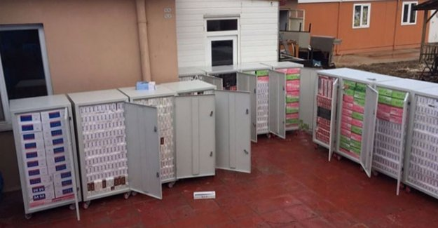 Afyon'da 41 bin 280 paket kaçak sigara ele geçirildi