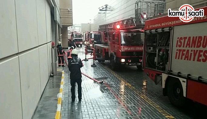 İstanbul'da AVM'de yangın çıktı!