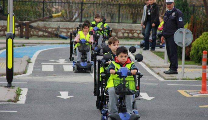 Siirt'te öğrencilere trafik eğitimi verildi