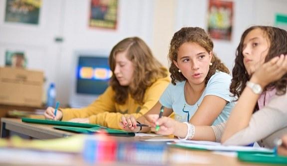 Anne, babalara yaz okulu uyarısı - Büyük tehlike...