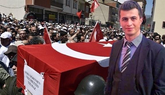 PKK'nın katlettiği şehit öğretmen son yolculuğa uğurlandı