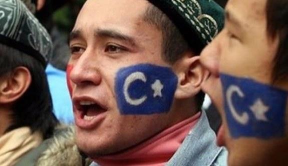 Çin'den Uygurca'ya yasak geldi