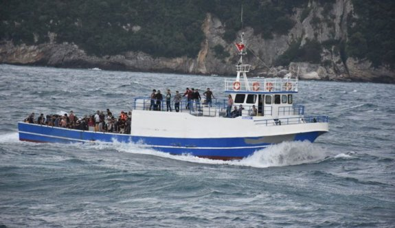 Karadeniz'de yakalanan 146 kaçak göçmenin organizatörü tutuklandı