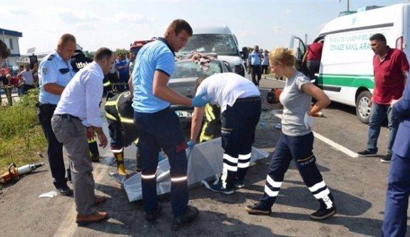Tekirdağ'da trafik kazası: 3 ölü, 3 yaralı