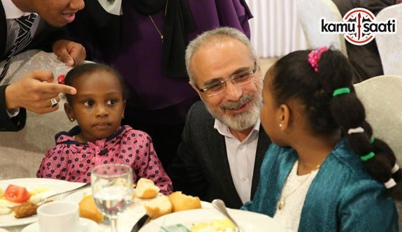 Cumhurbaşkanı Başdanışmanı Topçu, Türkiye'ye öğrenim görmeye gelen öğrencilerle buluştu