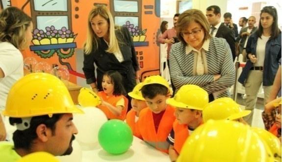 """""""Evin Küçük Mühendisleri Projesi"""" eğitimleri devam ediyor"""