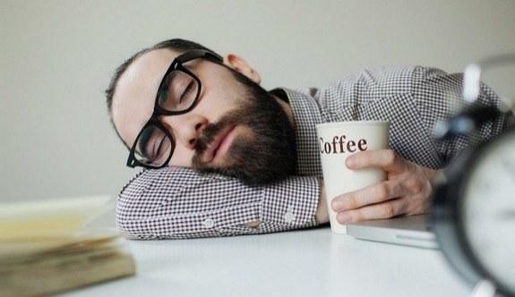 Yetersiz uyku, büyük sağlık problemlerine neden oluyor