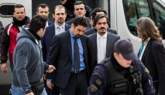 Yunanistan'dan darbeci askerleri için flaş karar