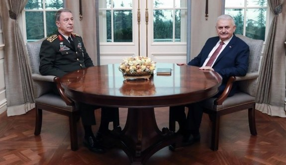 Başbakan Yıldırım, Genelkurmay Başkanı Akar ile görüştü