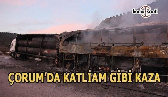 Çorum'da tıra çarpan yolcu otobüsü alev aldı- Ölü ve yaralılar var