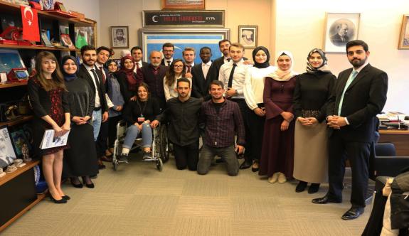 Cumhurbaşkanı Başdanışmanı Topçu, Gazi Üniversitesi Genç Entelektüel Nesil Çalışmaları Öğrenci Topluluğu ile görüştü