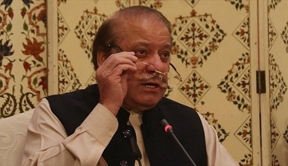 Eski Pakistan Başbakanı Navaz Şerif ömür boyu siyasetten men edildi