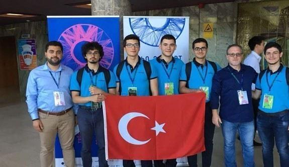 Nilüfer İMKB Fen Lisesi Öğrencisi Dünya Fizik Olimpiyatları'nda Gümüş Madalya kazandı