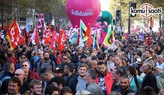 Fransa'da Sendikalardan Macron ve hükümete yönelik dev protesto