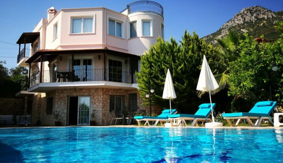 Her Sezon Tatile Elverişli Türkiye'nin İncisi: Kaş'ta Kiralık Villa Deneyimi