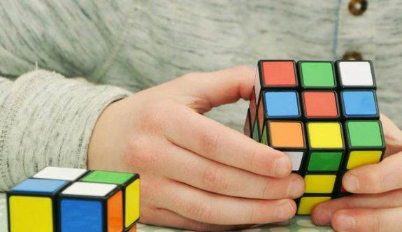 Okul Çağındaki Çocuklarda Dikkat Eksikliği Nedir, Nasıl Anlaşılır, Nasıl Tedavi Edilir?