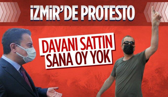 İzmir'de Ali Babacan'a 'davanı sattın' tepkisi
