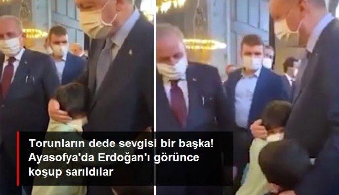 Torunları, Ayasofya Camii'nde Cumhurbaşkanı Erdoğan'ı görünce yanına koşup sarıldı