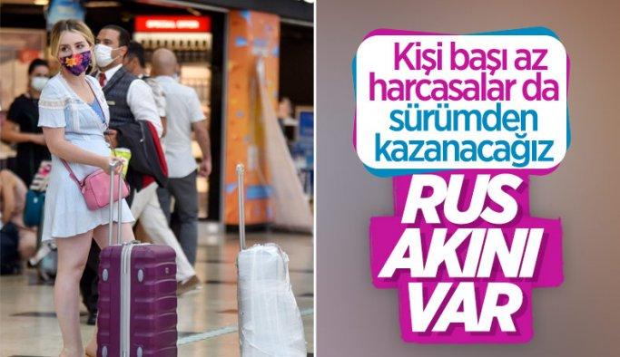Antalya'da Ruslar, hava trafiğini yüzde 45 artırdı