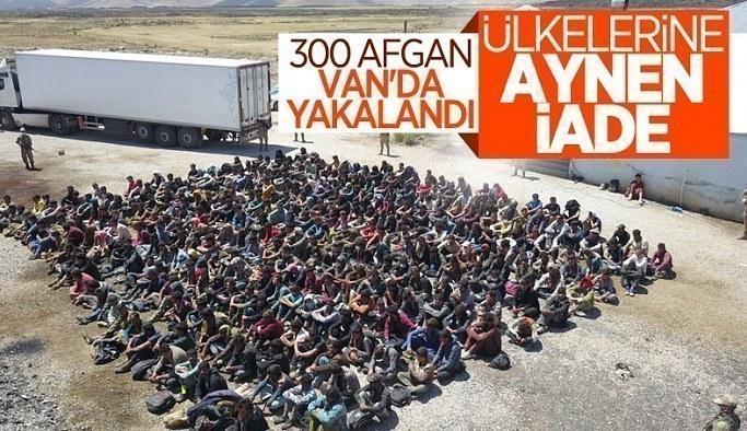 Van'da tırın dorsesinde 300 kaçak göçmen yakalandı