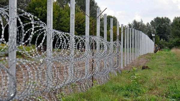 AB'den Mülteci Çözümü: Duvar... Tel Örgü...