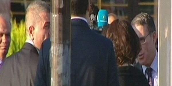 Erdoğan patlama yerine karanfil bıraktı