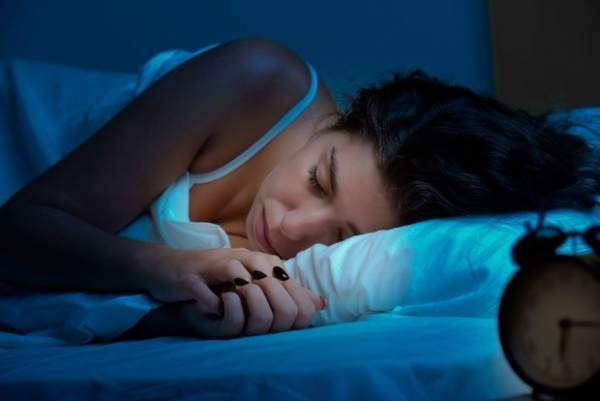 Karanlıkta uyumak gün içerisinde zinde olmayı sağlıyor