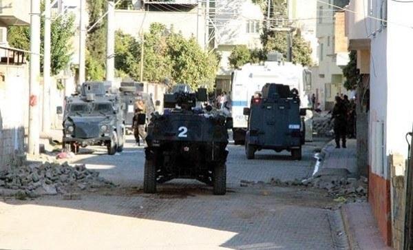 Nusaybin'de hendekçilerden polise bombalı saldırı!