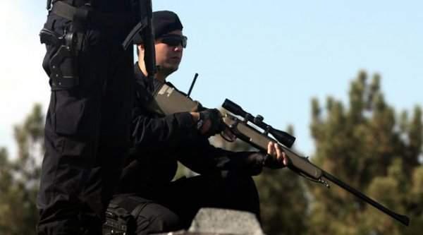 Polis Elbisesi Giymiş Teröristler Kıskıvrak Yakalandı