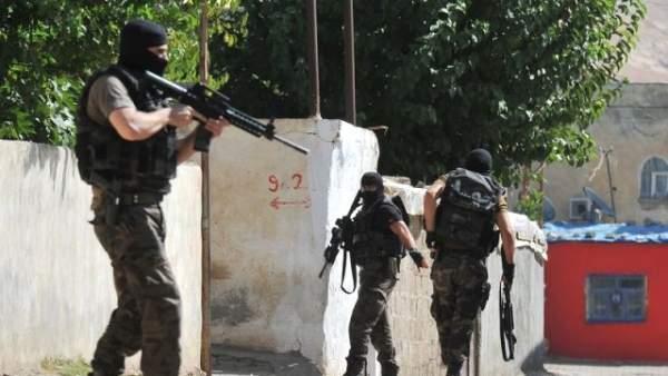 Sur ve Yenişehir'de terör operasyonu