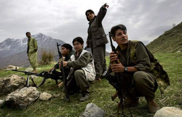Teröristler Suriye'de Eğitiliyor