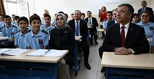 Milli Eğitim Bakanı İsmet Yılmaz, Türkiye´nin ilk tematik meslek lisesini ziyaret etti